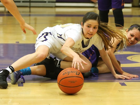 636226224182257038-EASTLAKE-BURGES-GIRLS-BASKETBALL-2.jpg