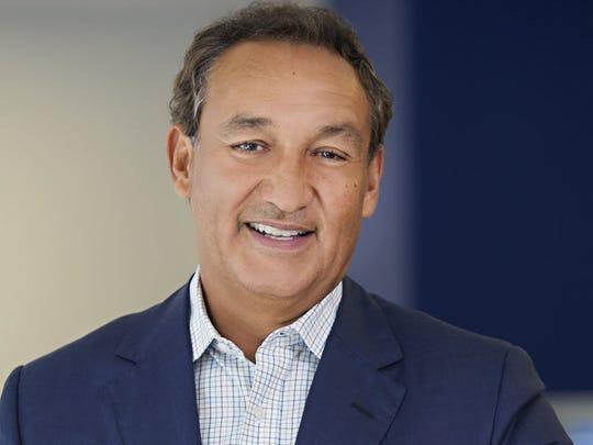 United Continental CEO Oscar Munoz plans to return