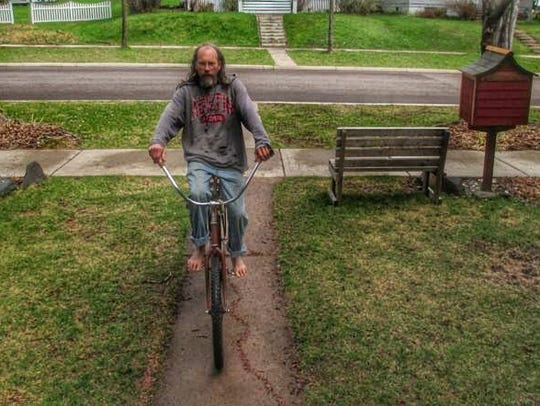 Charlie Parr will play live on WWSP 90FM before a concert