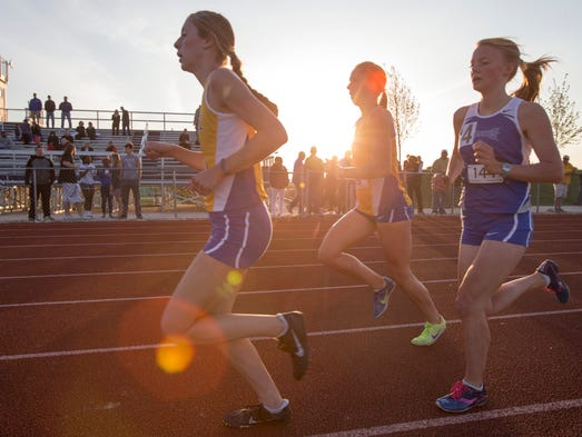carmel girls The carmel girls track and field team won a three-team meet with pike and ben davis on tuesday the greyhounds scored 775 points to the red devils' 47 and the giants' 425.