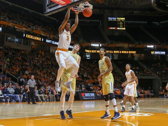 Tennessee guard Robert Hubbs III dunks the ball against Georgia Tech during the first half on Saturday at Thompson-Boling Arena.