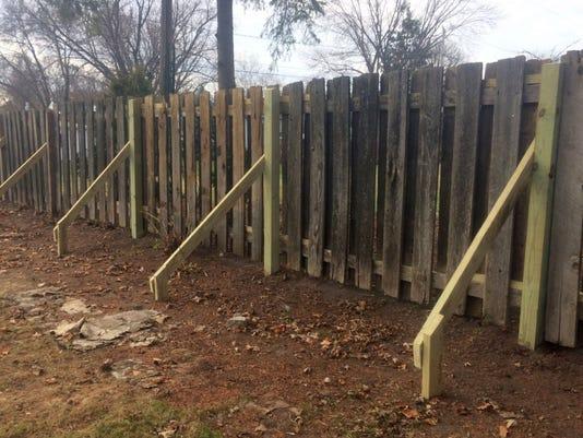 636155146446579429-Fence-photo.jpg