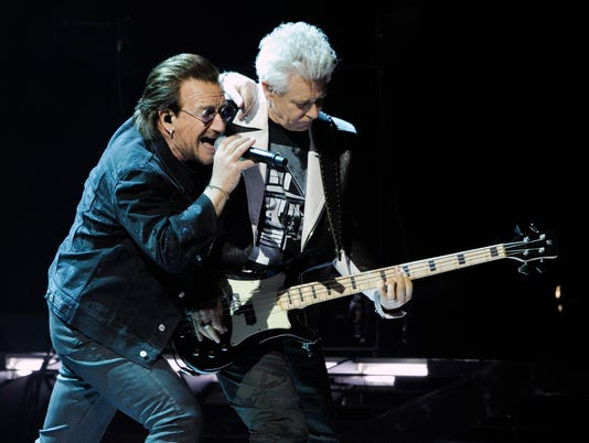 AP U2 IN CONCERT - INGLEWOOD, CA A ENT USA CA