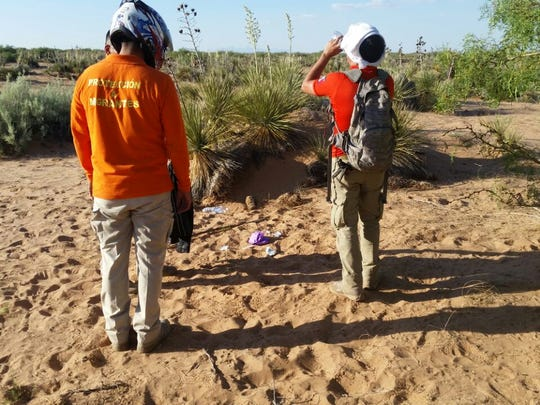 Beta Group agents search for a 36-year-old woman from Bachíniva on June 22 in a desolate area near the Jerónimo-Santa Teresa border.