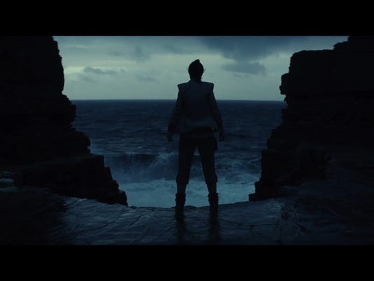636279496477305124-star-wars--the-last-jedi-official-teaser00-00-36-01still005-1492185955994-1280w.jpg