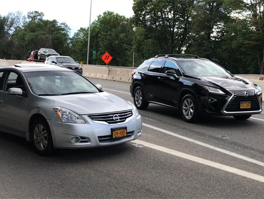 Cars merging onto 1&9 south at Maple Avenue in Fort