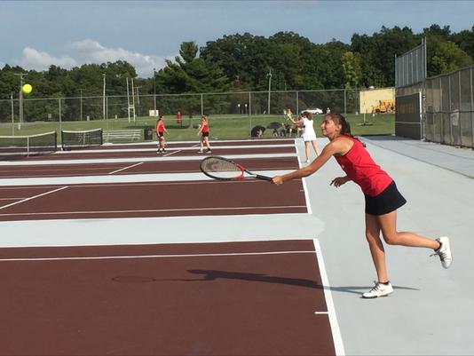 Pleasant No. 1 girls tennis player Arielle Wenig