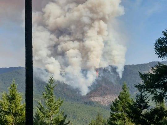 The Hendrix Fire southwest of Ashland.