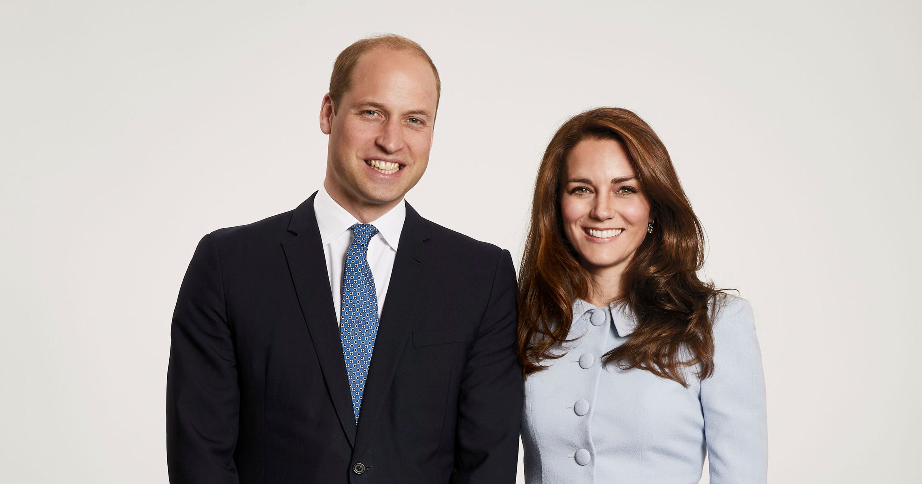 New royal family photo: See William, Kate and kids in coordinated blue