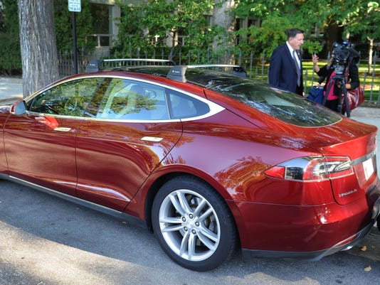 Super Models The Highs And Lows Of Tesla Cars Technobubble - Show me pictures of a tesla car