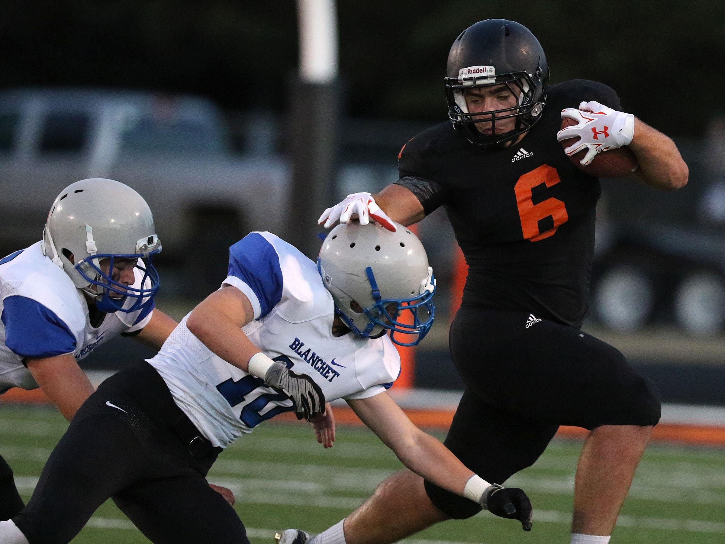 Scio's Dillion Robinson runs the ball during their game with Blanchet on Friday, Sept. 18, 2015, in Scio, Ore.