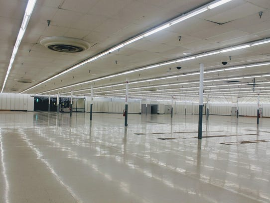 Kmart at White Sands Mall now sits empty and vacant.