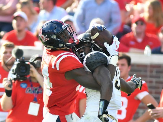 Mississippi Rebels wide receiver D.K. Metcalf (14)