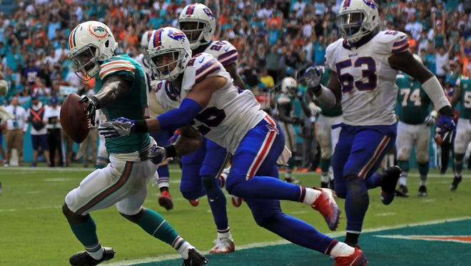 Jarvis Landry scores on a two-point conversion pass as Robert Blanton got there too late.