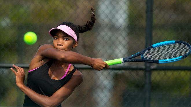 Sacred Heart-Griffin's Samira El-Amin got a No. 4 seed in the Class 1A Quincy Notre Dame Sectional tennis meet singles draw. Her teammate, Agnes Cross, earned the No. 1 seed.