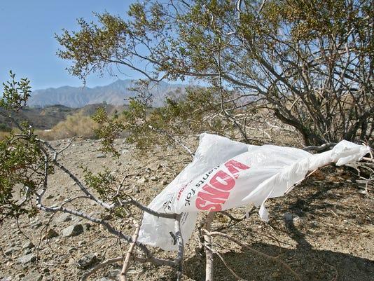 -plastic bags4.jpg_20131126.jpg