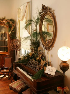 Each year, Lafayette's Alexandre Mouton House is lavishly decorated by local florists. Each room is dressed in yuletide greenery, ornaments and ribbon appropriate to a 19th century Christmas.