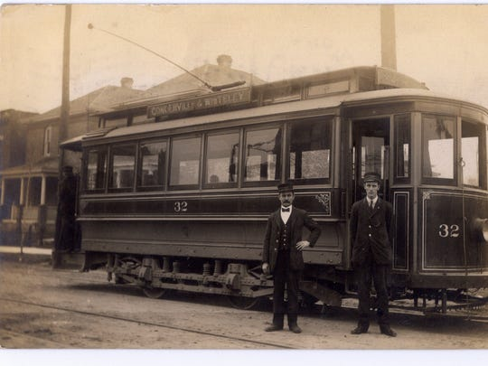 The Congerville Whiteley streetcar trolley in 1909.