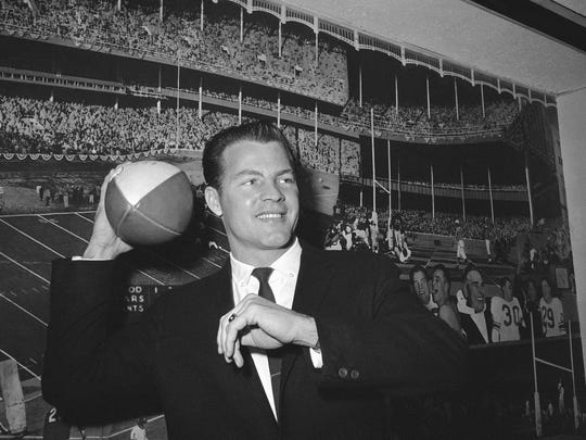 Former NFL great Frank Gifford died suddenly at his Connecticut home of natural causes that morning. (AP Photo/John Lindsay, File)