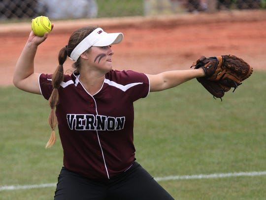 Vernon's Cali Brints makes a throw from right field