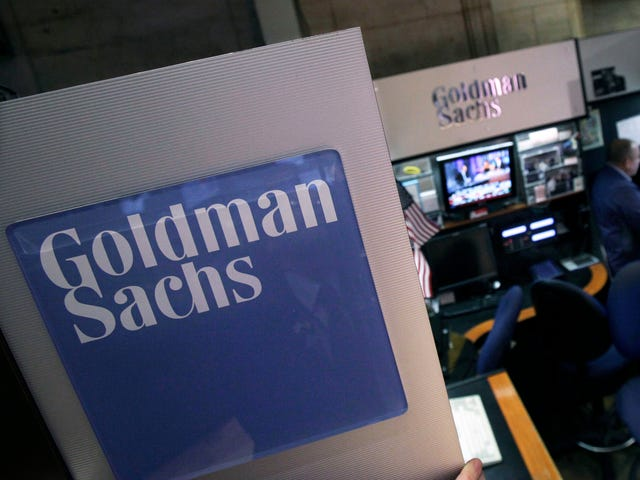 Goldman Sachs 4Q profit drops but tops forecasts