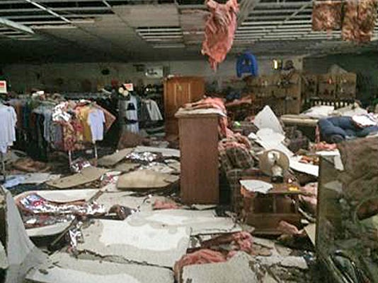 635714388961246157-Salvation-Army-Family-Store-damage