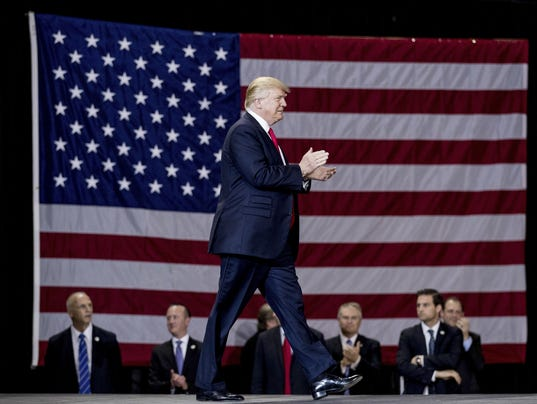 AP TRUMP 100 - 100 PHOTOS A FILE USA KY