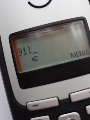 The federal government wants to end the rule that discarded cell phones still must be able to call 9-1-1, even if the owner is no longer paying for wireless service.