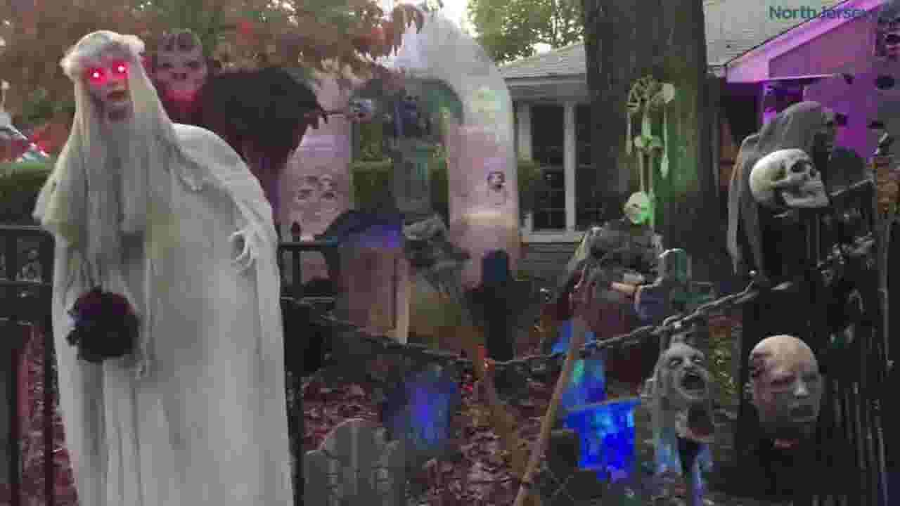 8 spooky houses that decorate like crazy for halloween.