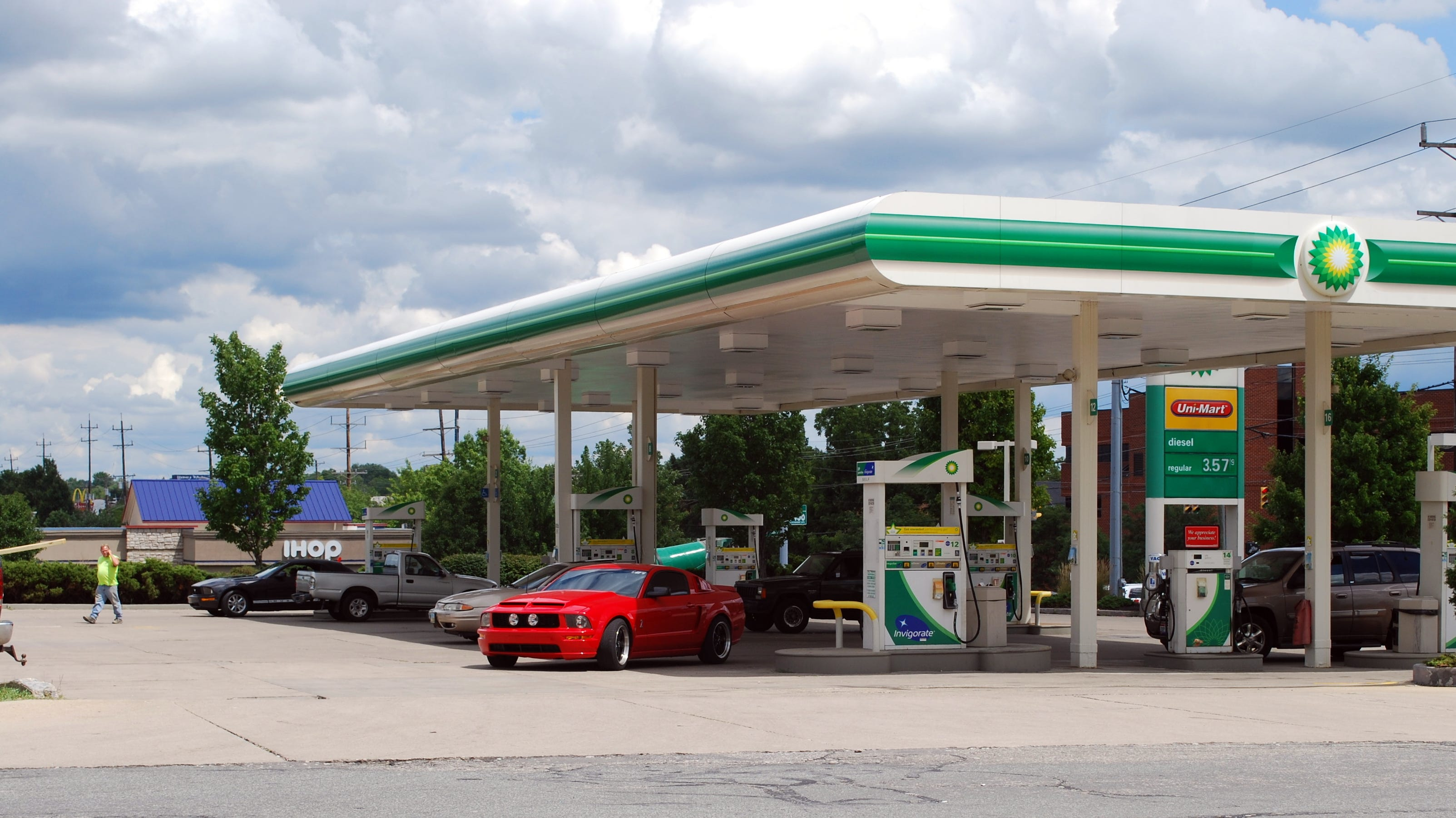 Three gas stations robbed in one day in Anderson Township ...