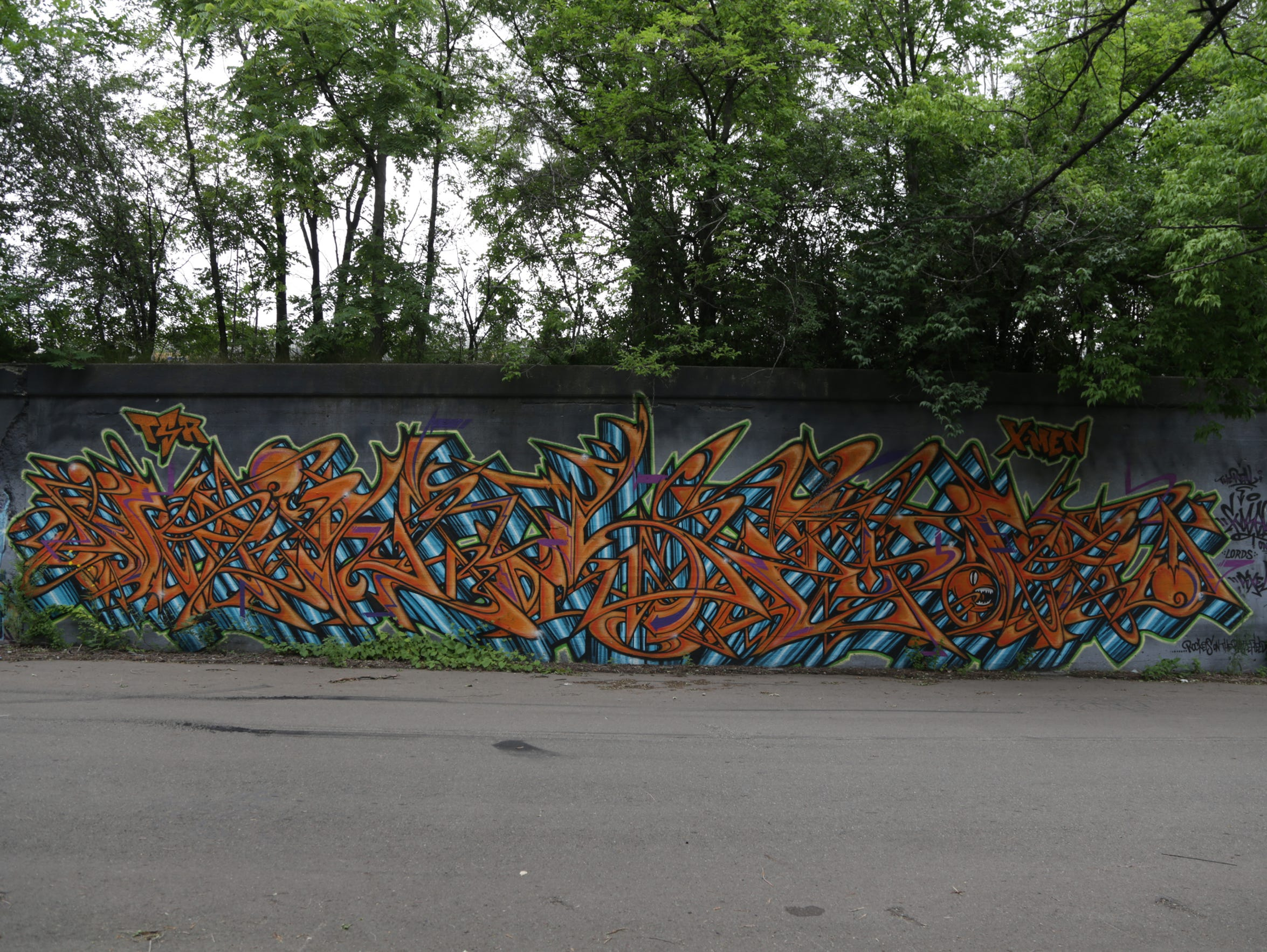 Graffiti wall training - A Mural By Kosek On Newark Street At 20th Street In