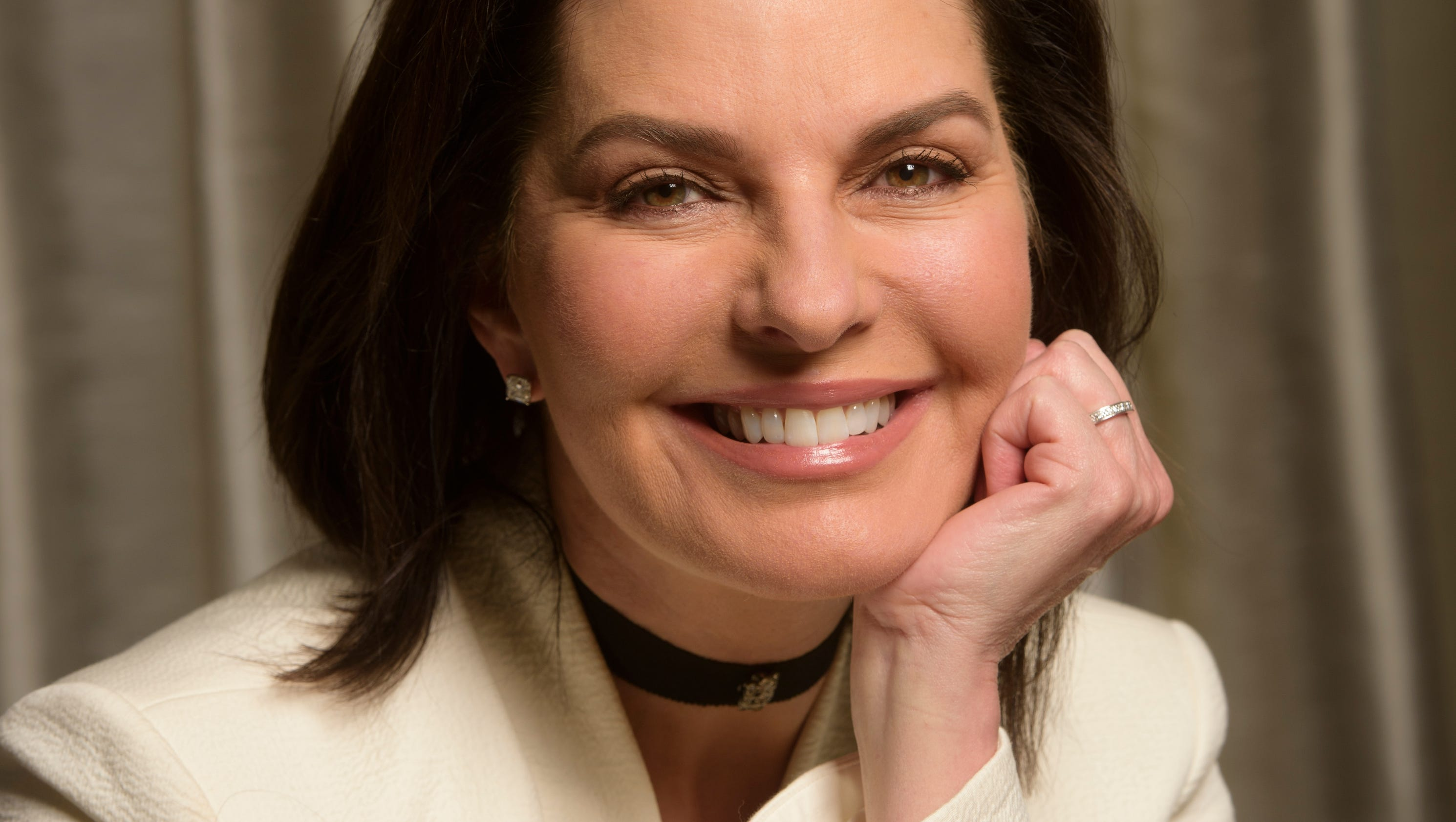 Sela ward takes the oval office in independence day sequel