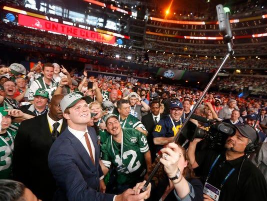 NFL_Draft_Football_78536.jpg