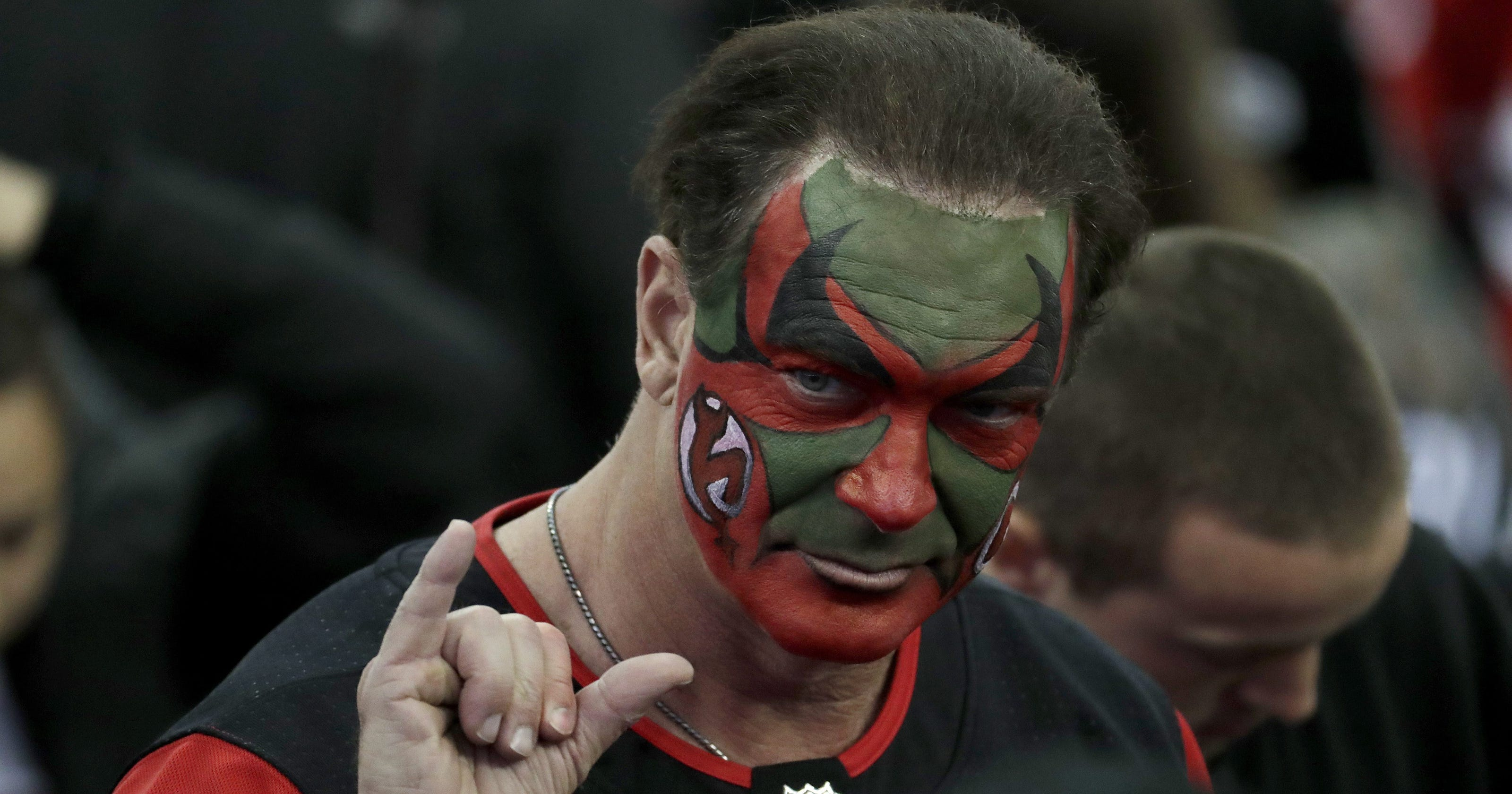 timeless design 43b19 10531 Actor who played David Puddy in 'Seinfeld' cheering on NJ Devils