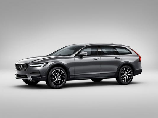 636233814982766803-2017-Volvo-V90-Cross-Country.jpg