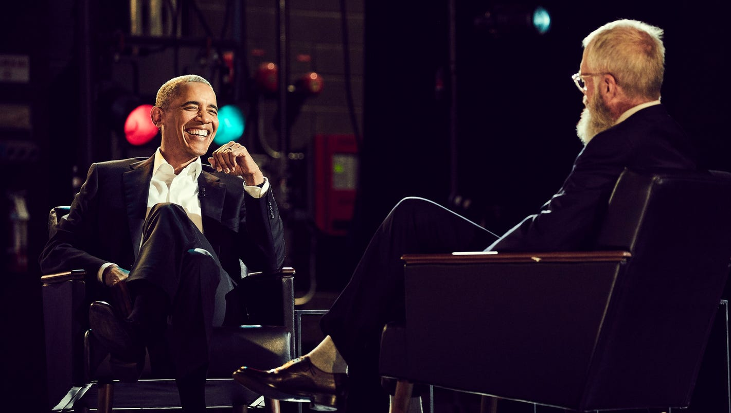 Hasil gambar untuk David Letterman's Netflix Talk Show Sets Barack Obama as First Guest / GIF