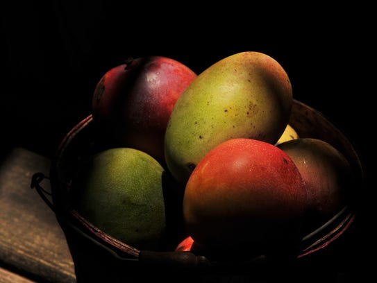 "Mangoes or ""fruit mango"""