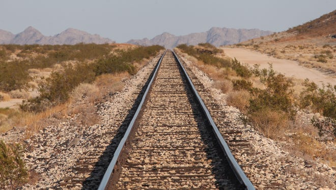 Cadiz Inc. wants to build a pipeline along this rail line to transport water to the Colorado River Aqueduct.