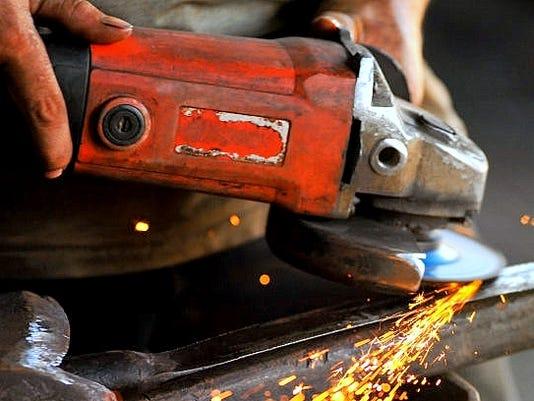 636588838160537642-manufacturing.jpg