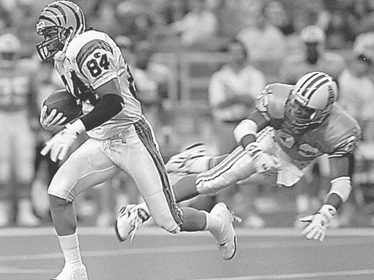 Jeff Hill went from Mt. Healthy to Purdue to the Bengals after playing for coach Bill Fridman.  cincinnati bengals wide receiver jeff hill (84) evades houston oilers defender travis hannah (82) for a 46-yard kickoff return in the first quarter sunday, nov. 12, 1995 in houston. (ap photo/daid j. phillip)