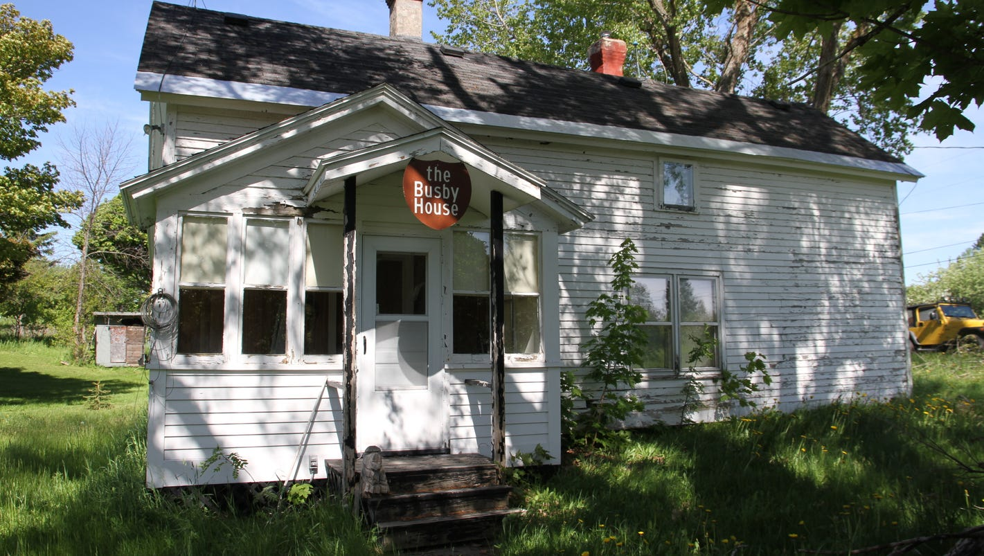 Snag that up north cottage you always wanted in michigan for Up north cottages