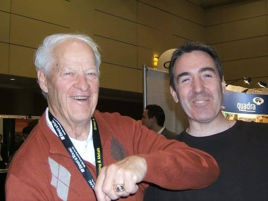 Gordie Howe with fan Luc Miron.