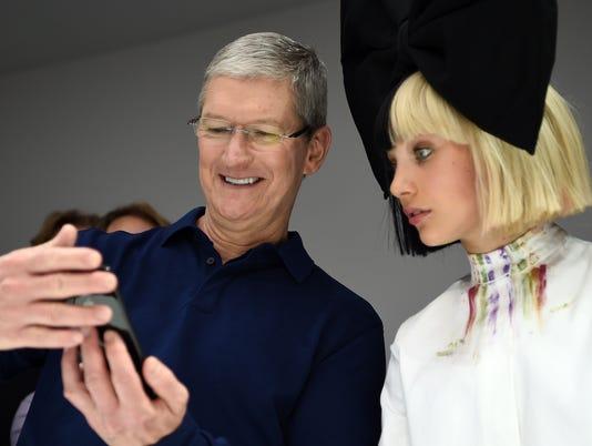 Apple's gift to schools: Free app development curriculum