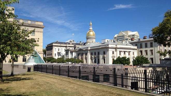 The New Jersey Statehouse complex as seen on Sept. 12, 2014. (Michael Symons/Asbury Park Press)