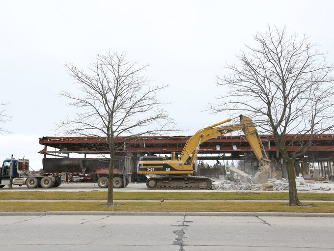 The demolition process of the Lakeview Centre has moved