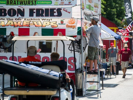 636657087471015606-Shrinersfest-Set-up-1-9.JPG