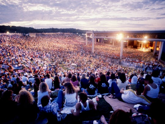 Fans fill virtually every corner of Starwood Amphitheater's