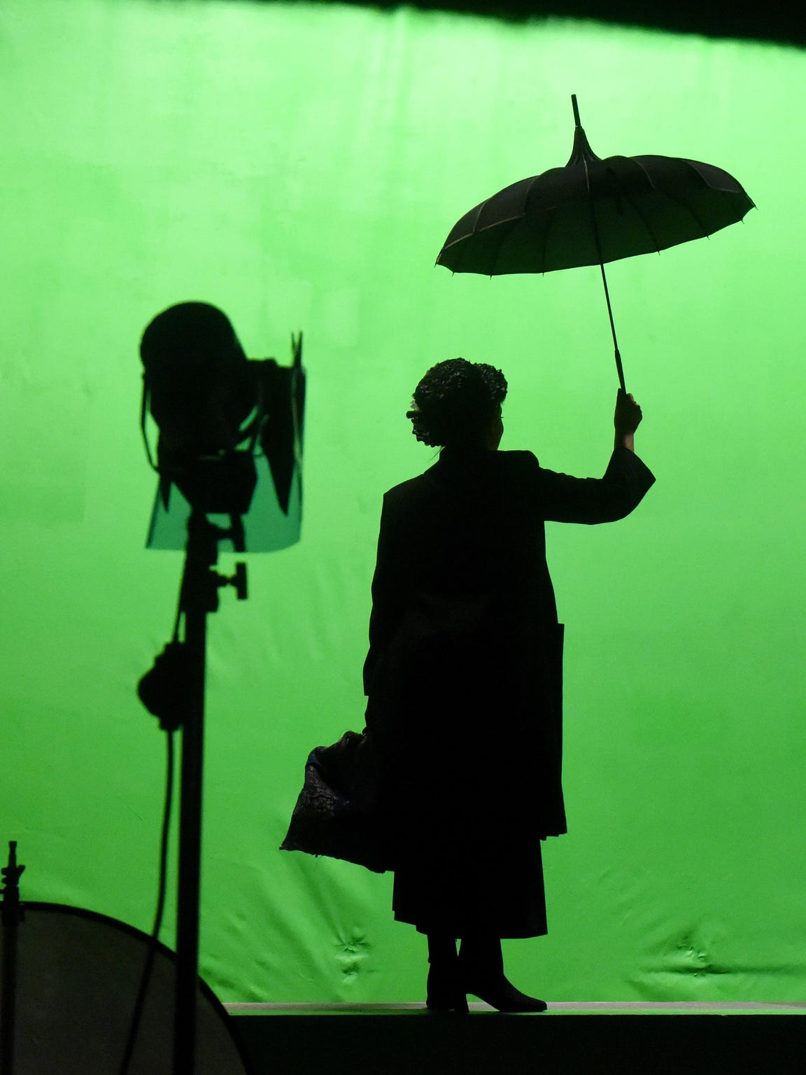 Liz Leone creates the iconic silhouette of Mary Poppins