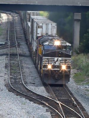A Norfolk Southern locomotive cruises towards the Commerce Avenue area Waynesboro on August 13, 2015.