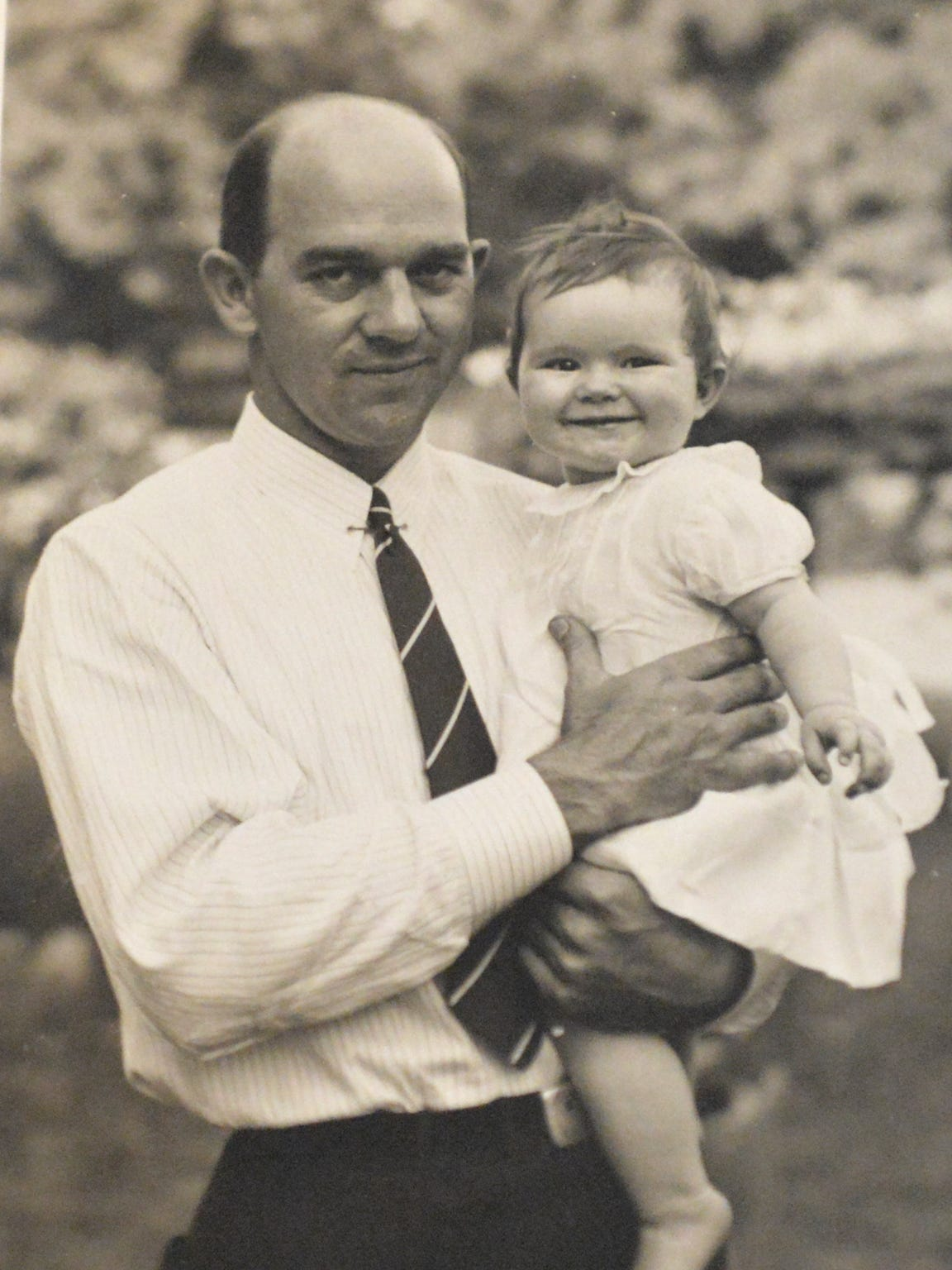 A photograph of Thomas D. Howie with his daughter Sally before the start of World War II.